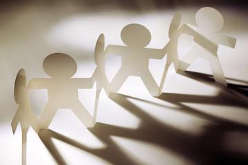 Paper chain team united