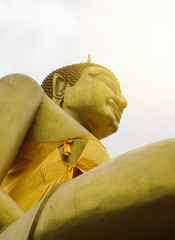 Golden Buddha statue, Buddhism Concept of Religion