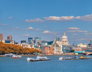 Wall Mural - London, St. Paul's cathedral and skyline from the riverside