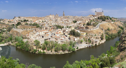 View over Tajo River at Santa Maria Cathedral and Alcazar, UNESCO World Heritage Site, Toledo, Castilla-La Mancha, Spain, Europe