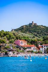 Vue du Fort Saint-Elme et des montagnes depuis Collioure