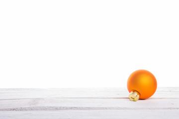 Orangene Weihnachtskugeln