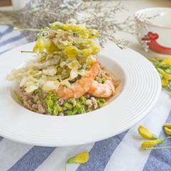 Edible Flower Thai Salad