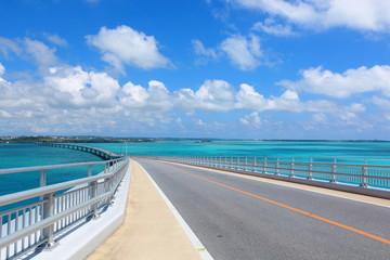 伊良部大橋と綺麗な海