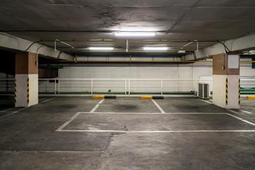 parking lot car park.