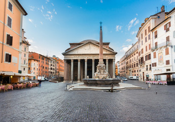 Fototapete - view of famous ancient Pantheon church with fountain in Rome, Italy