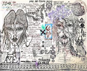 Manoscritti alchemici e misteriosi con graffiti,tarocchi,schizzi,disegni e simboli esoterici,astrologici e alchemici