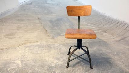 Alter Werkstatt Stuhl