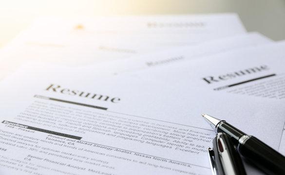 pen on resume paper