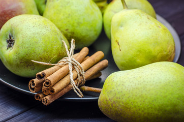 pears and cinnamon