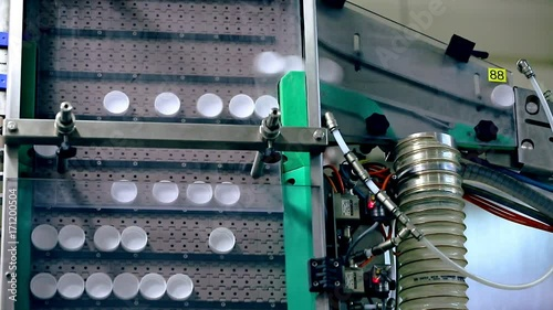 Packaging industry manufacturing machine  Bottle caps for