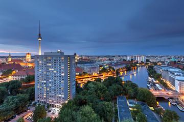 Berlin mit Funkturm und Museumshafen