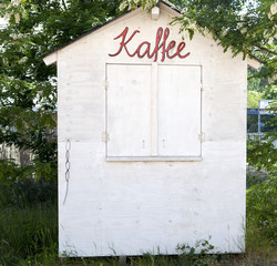 Little Tiny Wood House Kaffee German Coffee Cafe Love Handmade DIY Yummy Food Drink Bistro Typo Script White Close Business Shop Kiosk Green Garden Outside Nature Red Start Up Village Sorry