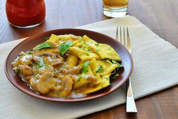 Ravioli pasta with mushroom stew