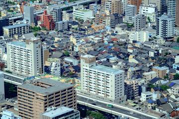 街並みとマンション