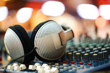 Headphone and mix
