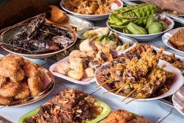 Indonesien, Java, Jakarta, Essen im Warung Tak Kie, Markt in Jakarta