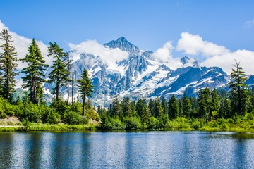 Reflection Mount Shuksan and Picture lake, North Cascades National Park, Washington, USA