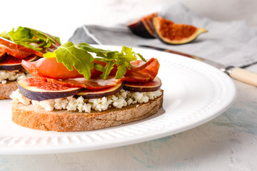 Bruschetta with goat cheese and figs.