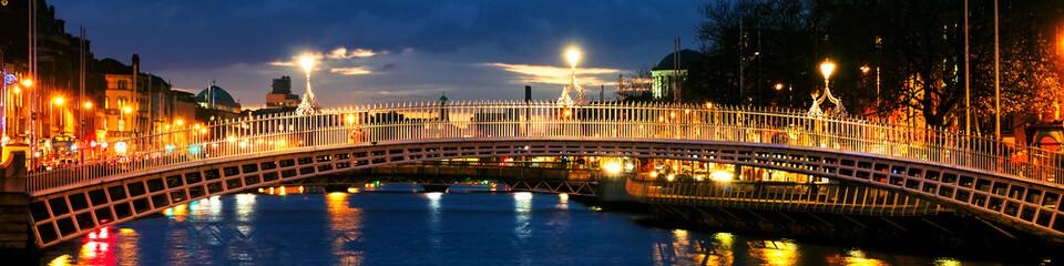 Canvas Prints Bridge Dublin, Ireland. Night view of famous Ha Penny bridge