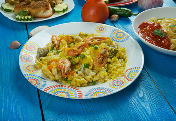 Mediterranean cuisine, Paella Valenciana: