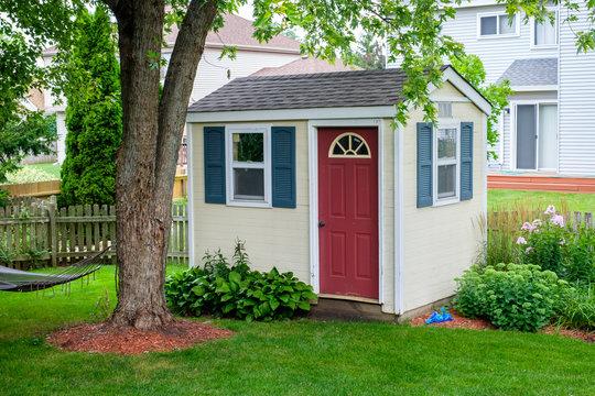 shed in urban backyard