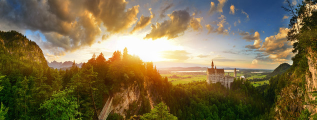 Neuschwanstein castle at sunset, Germany Fototapete