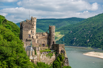 Rheinstein Castle at Rhine Valley (Rhine Gorge) in Germany Fototapete
