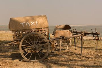 Carro taxi en Myanmar.