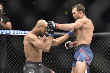 MMA: UFC Fight Night-Pittsburgh Rockhold vs Branch