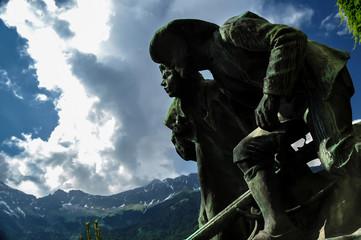 """Denkmal """"Vater und Sohn"""" (Innsbruck)"""