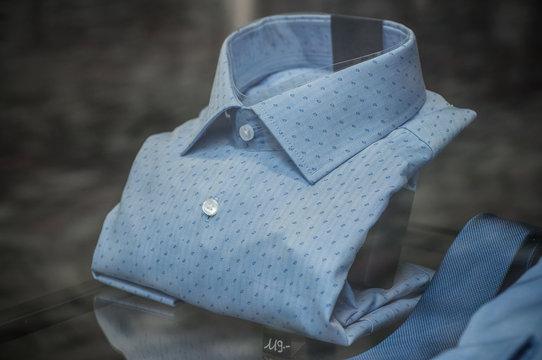 chemise pour homme en vitrine