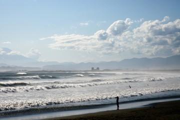 片瀬海岸の波