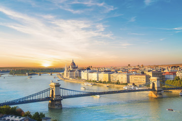 Printed roller blinds Budapest Beautiful view of the Hungarian Parliament and the chain bridge in Budapest, Hungary