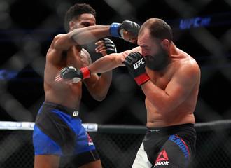 MMA: UFC 207-Hendricks vs Magny