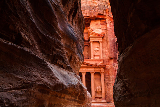 Al Khazneh - the treasury, ancient city of Petra, Jordan.