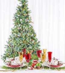 Christmas Dinner Table Setting Star Napkins Red Plates