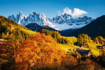 Wall Mural - St. Magdalena village. Location Funes valley, Odle mountains, Dolomites. Province of Bolzano - South Tyrol, Italy. Europe.