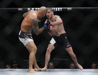 MMA: UFC 205-Miller vs Alves
