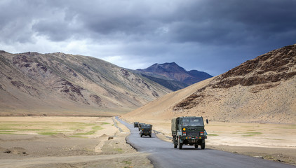 Road through Changthang plateau