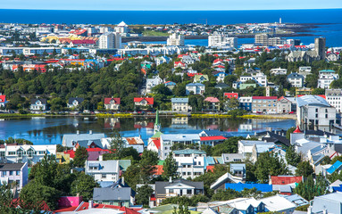 Fotomurales - Scenery view of Reykjavik the capital city of Iceland in summer season.