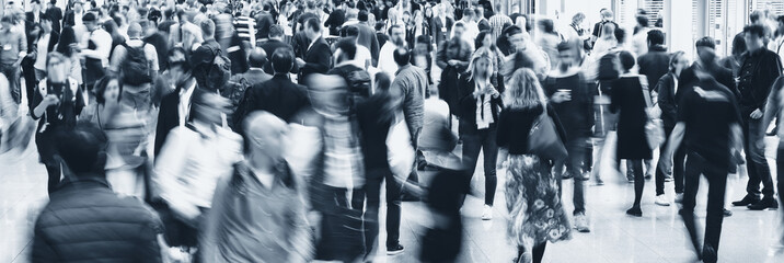 Fototapete - Crowd of anonymous business people