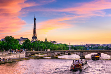Wall Mural - Sunset view of Eiffel tower and Seine river in Paris, France