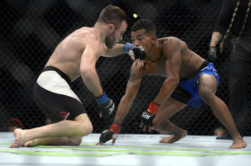 MMA: UFC 214-Burkman vs Dober