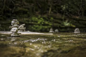 Piedras y rio / Stones and river