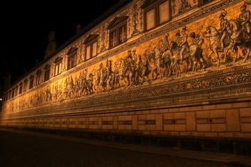 Fürstenzug in Dresden in der Nacht