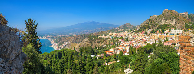 Taormina and Etna, seen from the Greek theater,Sicily. Fototapete