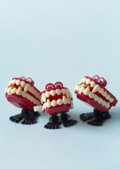 The singers: close up of wind up vampire chattering teeth toys