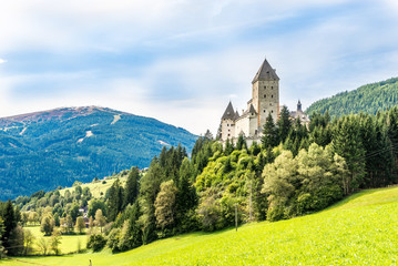 Keuken foto achterwand Kasteel View at the Moosham castle near Tamsweg in Austria