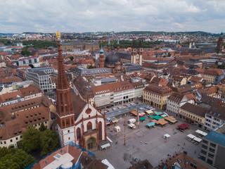 Marktplatz Würzburg mit Marienkapelle